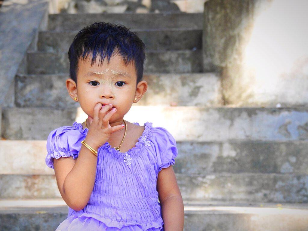 Mingalaba - Burmese kid