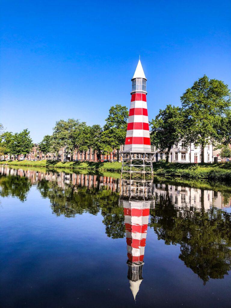 Breda - reflectie vuurtoren