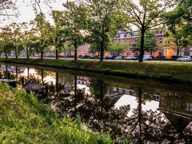 Breda - reflectie Weerijssingel